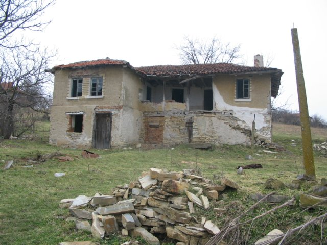 old rural house in Bulgaria in need of major renovations