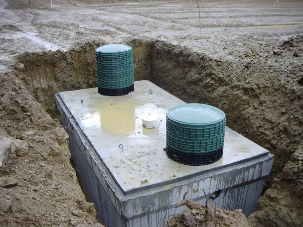 Issues when building a property in bulgaria for Septic tank fumes in house