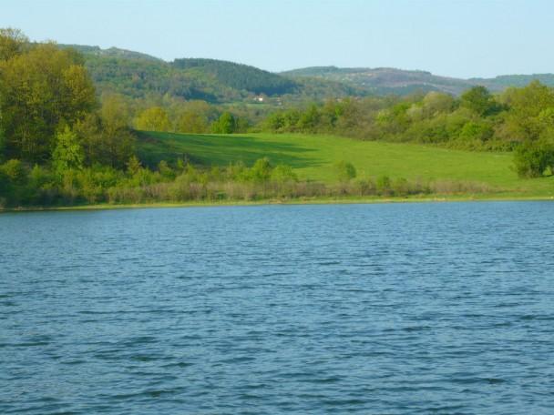 lake near elena