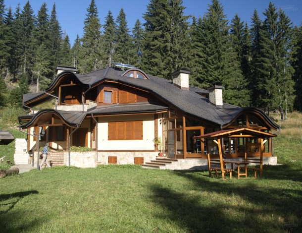 luxury house in the mountain